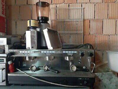 Machine à café professionnelle FAEMA + 2 moulins à café