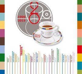 illycaffè fête les 20 ans de son Université du Café présente dans le monde entier avec une tasse en édition limitée