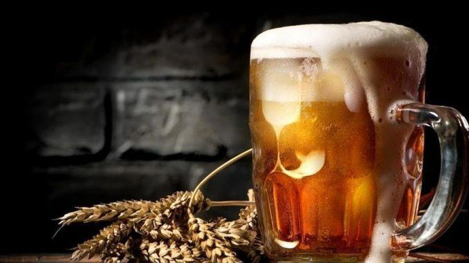 La bière bat le café et devient la boisson de socialisation dans l'après-Covid - La Stampa