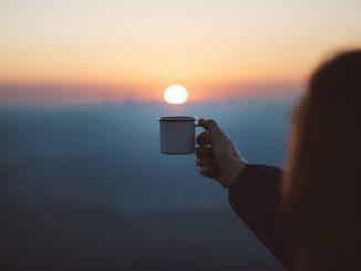 Plus vous buvez de café, plus vous vivez. La science le dit