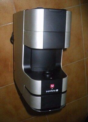 Excellentes conditions esthétiques et fonctionnelles de machine à café Illy Hotpoint
