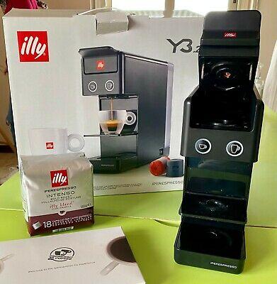 Machine à café Illy Y3.2 Iperespresso + 18 dosettes intenses