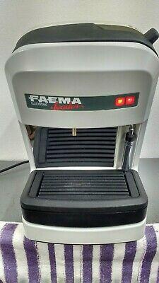 Machine à café Faema avec vapeur