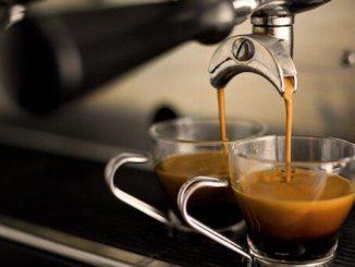Les meilleures machines à café manuelles avec le bras (comme au bar)