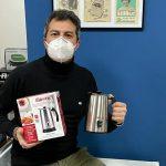 Machine à café et mousseur à lait. Votre cadeau de la Saint-Valentin est chez Ferraro