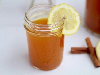 Recette de thé de désintoxication: thé au citron et au curcuma au gingembre
