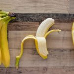 Faveur subtile, légère note florale et pointe d'amertume polie: il est temps de transformer la peau de banane en plat