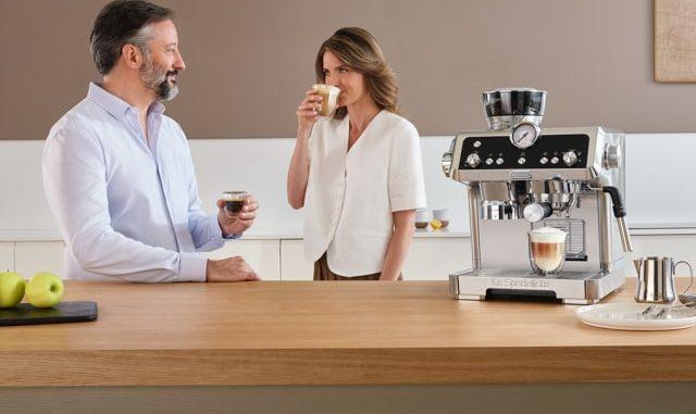 fr_Category-Hero_espresso-EC9335.M_cappuccino-espresso_mobb.jpg
