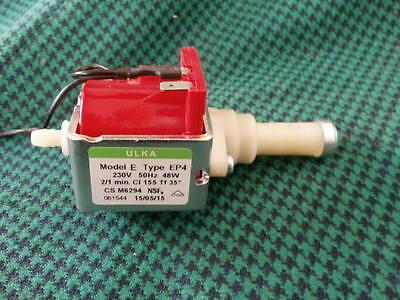 Pompe électrique Segafredo My Espresso One et machine à café Ep4