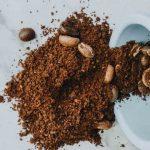 Ne jetez pas le marc de café : utilisez-le comme engrais naturel