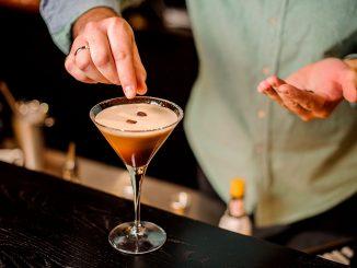 Les 3 coolers à cocktails au café recommandés par Caffè Aiello pour cet été chaud !