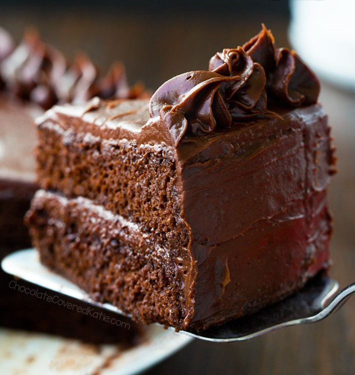 Recette de gâteau au chocolat sans farine à faible teneur en glucides secrètement végétalien