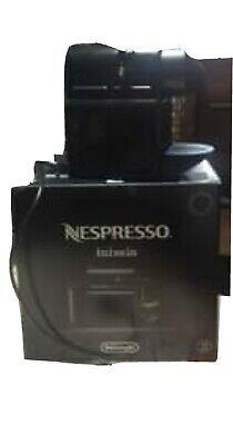 Machine à café Nespresso comme neuve, utilisée seulement 3 mois, demandez plus de photos